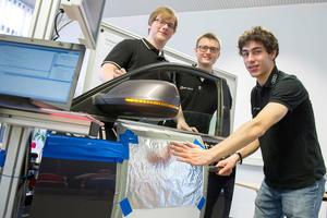 Junge Tüftler machen Station bei Audi