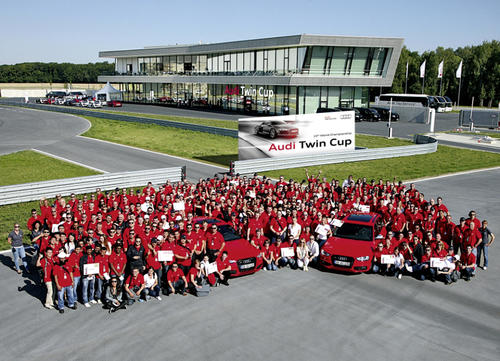 Audi Twin Cup: service cum laude