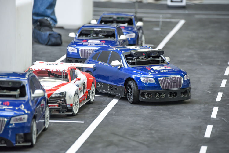 Audi Autonomous Driving Cup 2016: Pilotiertes Fahren im Maßstab 1:8