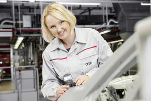 AUDI AG: Employees to profit from company's success in 2014