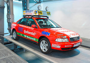 """Variationen in Rot"" im Audi museum mobile"