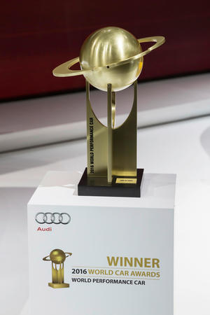 "Audi R8 ist ""World Performance Car 2016"""
