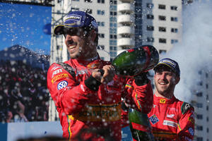 Lucas di Grassi triumphs at Formula E in Long Beach