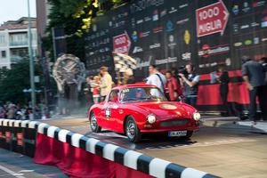 Coupés waren wie geschaffen für Langstreckenrennen: Wie zum Beispiel der DKW Monza von 1956 bei der Mille Miglia in Italien.