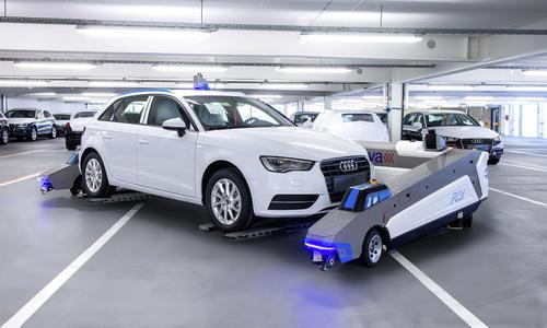 Audi-Werk bewegt Autos per Roboter