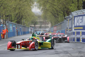 Lucas di Grassi triumphs at Formula E debut in Paris