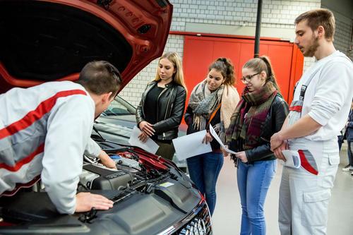Technik zum Anfassen:  Girls' Day bei Audi