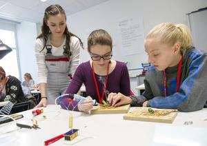 Girls' Day bei Audi: Technik zum Anfassen