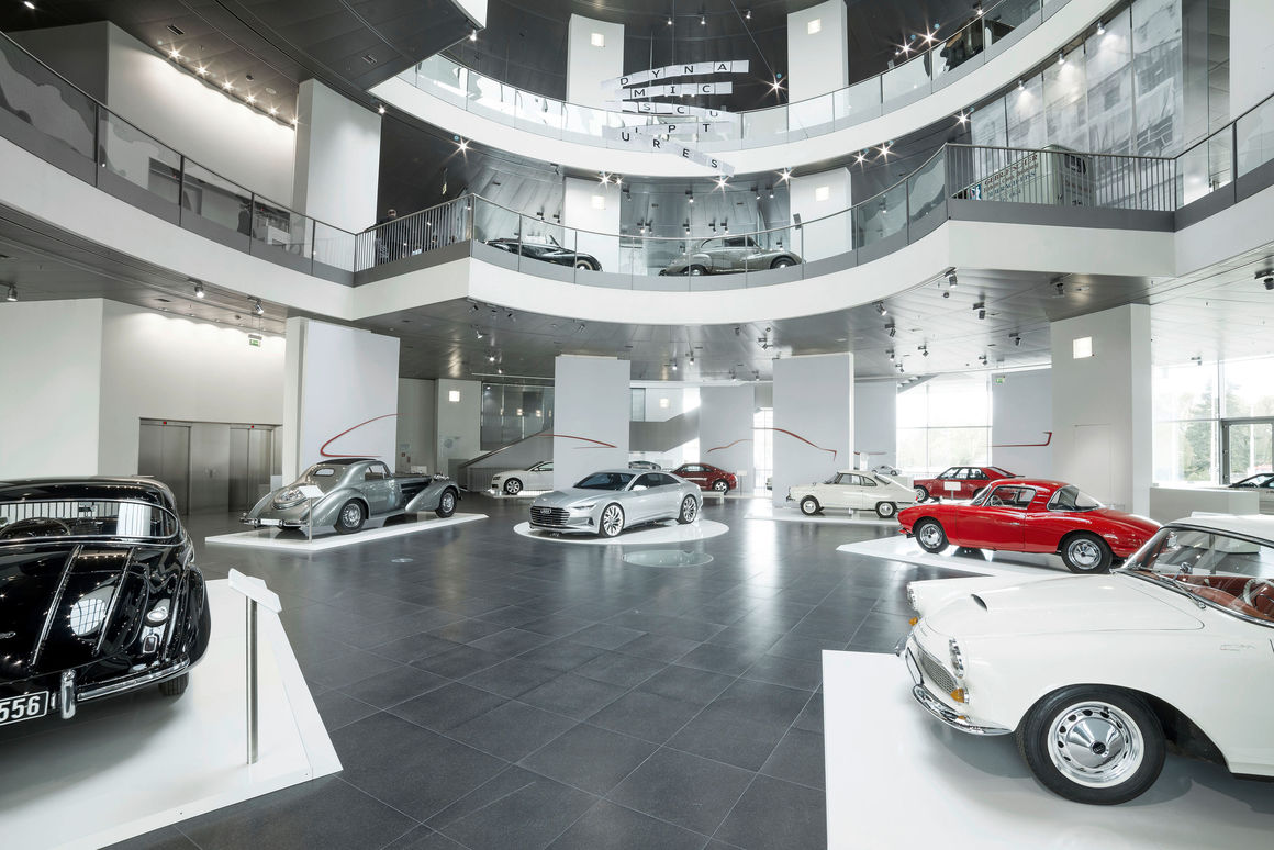 Dynamic sculptures the new temporary exhibition at audi for Mobel in ingolstadt