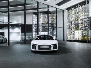 "Audi R8 Coupé V10 plus: ""selection 24h"""