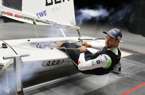 Sailing star Philipp Buhl in Audi wind tunnel