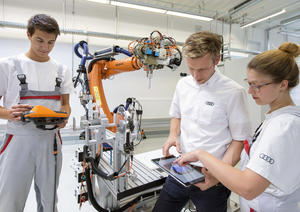 System of dual training at Audi:  Career start into the digital future