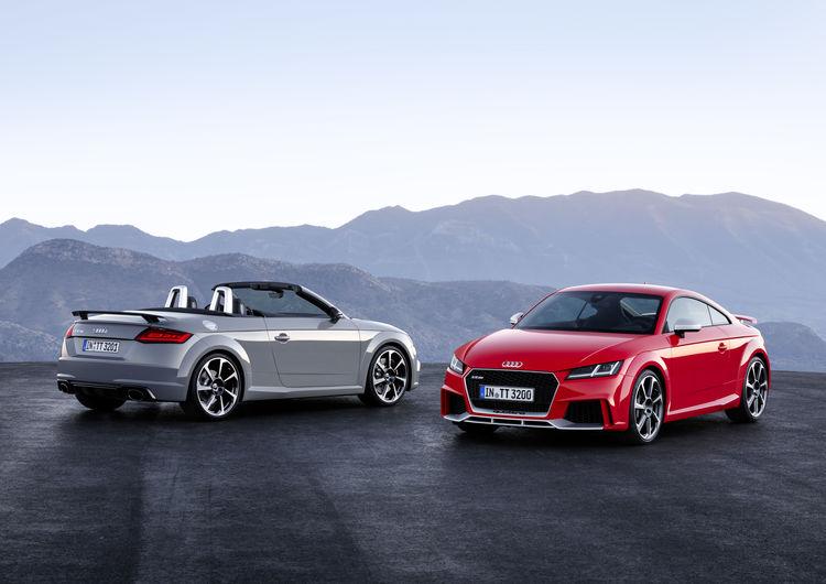 Audi TT RS Coupé und TT RS Roadster: die sportliche Speerspitze der Baureihe  (2016)