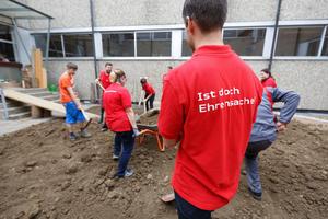 Als Team mitanpacken: Audi-Freiwilligentag  in Neckarsulm