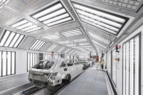 Audi Ingolstadt: Audi A4/ A5 topcoat paint shop