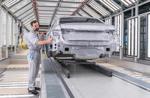 Audi-Standort Ingolstadt: Decklack-Lackiererei Audi A4/A5