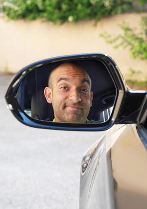 """Kabarettist Django Asül im """"Rückspiegel 2016"""""""