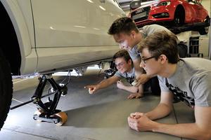 """""""Jugend forscht"""" zu Gast bei Audi"""