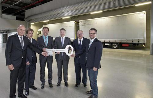 Offizielle Eröffnung der Halle T im Güterverkehrszentrum (GVZ) nahe des Stammsitzes der AUDI AG in Ingolstadt