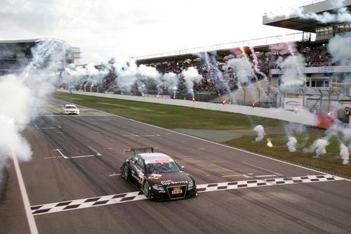 2009: Timo Scheider DTM-Champion