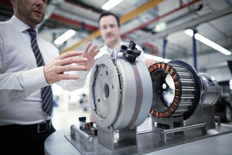 Audi qualifiziert Entwickler für Elektromobilität