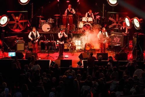 """Klassiker aus Rock und Pop: Legendäre """"Oldie Night"""" im Audi Forum Neckarsulm."""