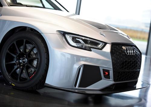 Audi RS 3 LMS Handover Neuburg