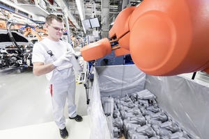 New human-robot cooperation in Audi's production processes