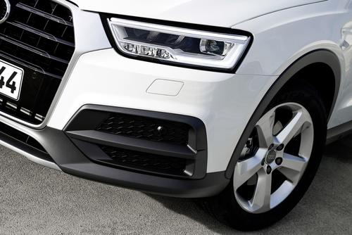 LED headlights Audi Q3