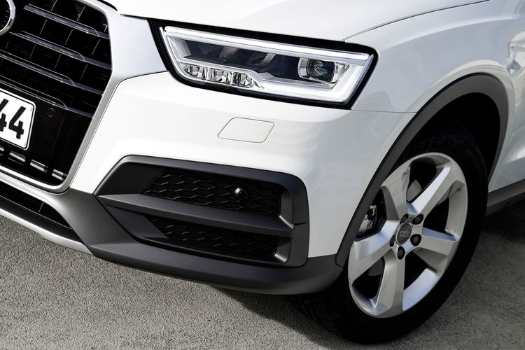 LED headlights Audi Q3 (2014)