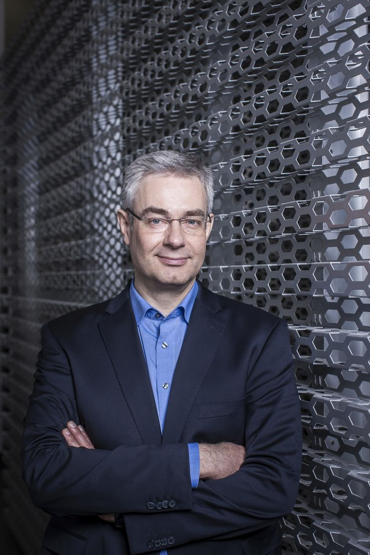 Dr. Nikolai Ardey