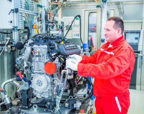 Production five cylinder TFSI engine