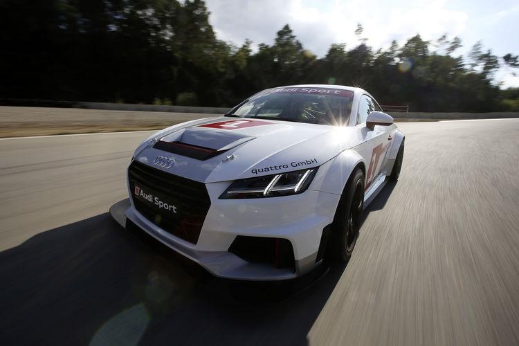 Starterfeld des Audi Sport TT Cup steht