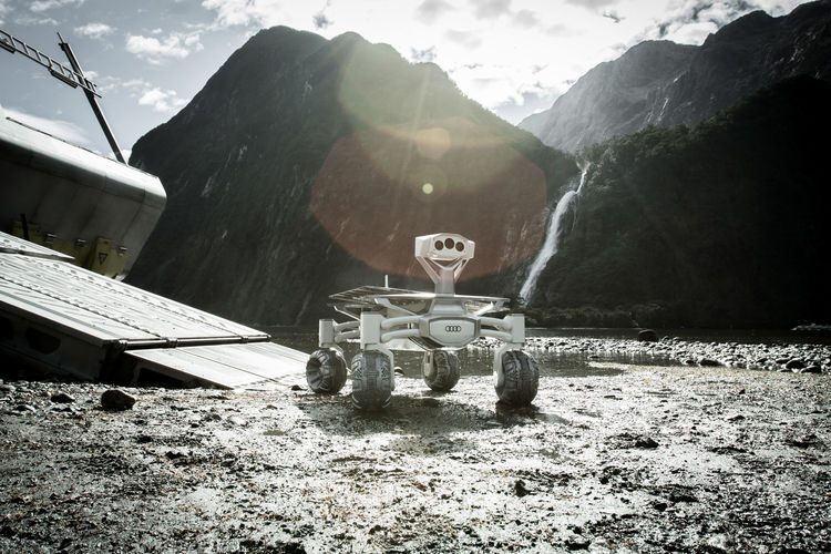 "Moon rover Audi lunar quattro featured in ""Alien: Covenant"""