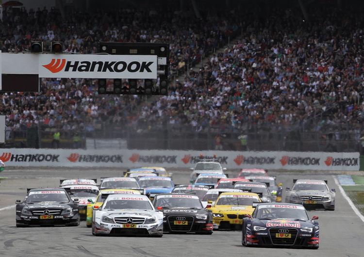 Audi kommt als Spitzenreiter der Herstellerwertung zum DTM-Finale