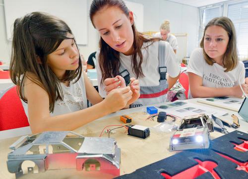 """""""Mädchen für Technik-Camp"""" bei Audi in Ingolstadt"""