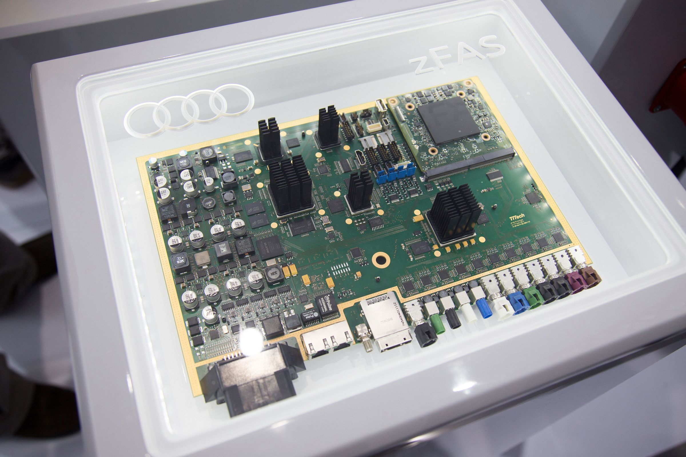 Driver Assistance Systems Audi Mediacenter Car Parking Guard Circuit Using Infrared Sensor Explanation Central Controller