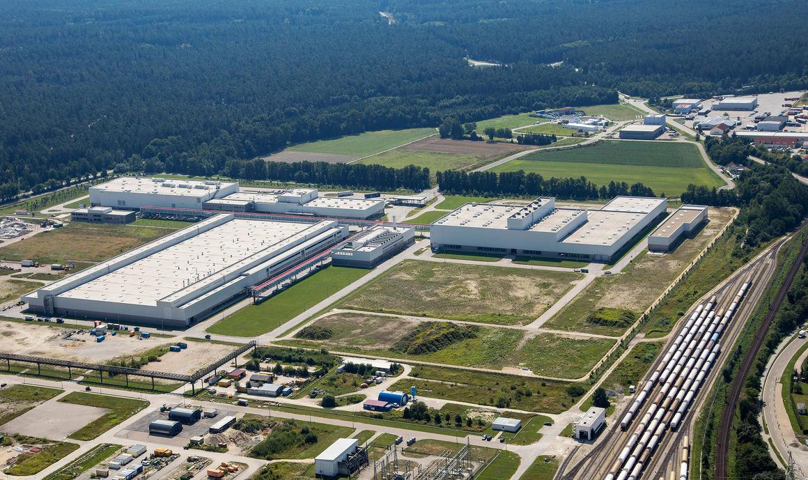 Audi manufacturing facility Münchsmünster (aerial photograph)