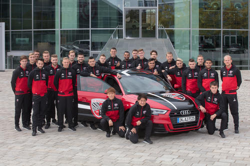 Audi welcomes football players from FC Ingolstadt 04