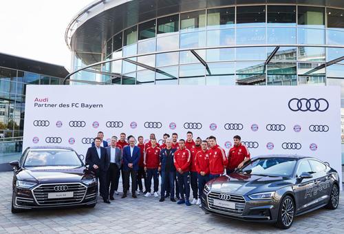 FC Bayern München receives new Audi models