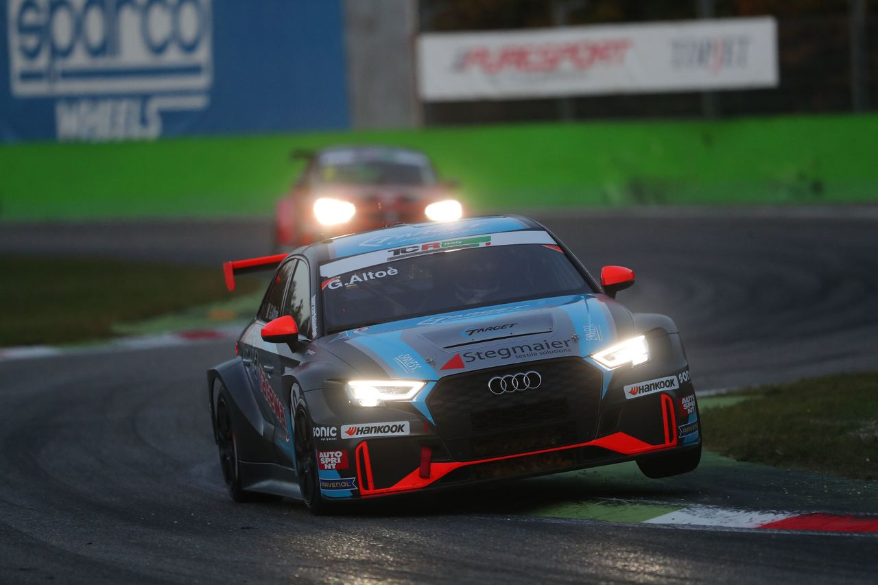 Three victories for the Audi RS 3 LMS