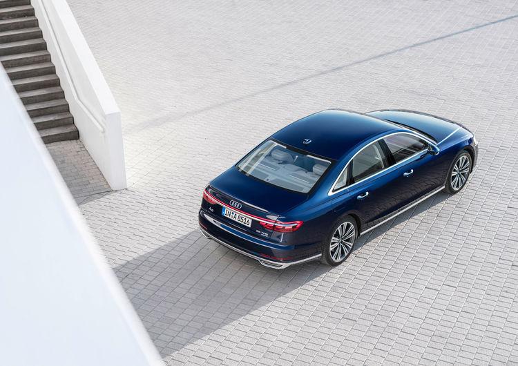 Audi A8 55 TFSI quattro tiptronic (250 kW)
