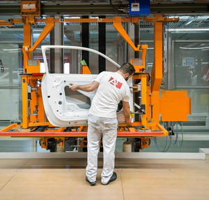 Audi Brussels: Door removal on the Audi A1