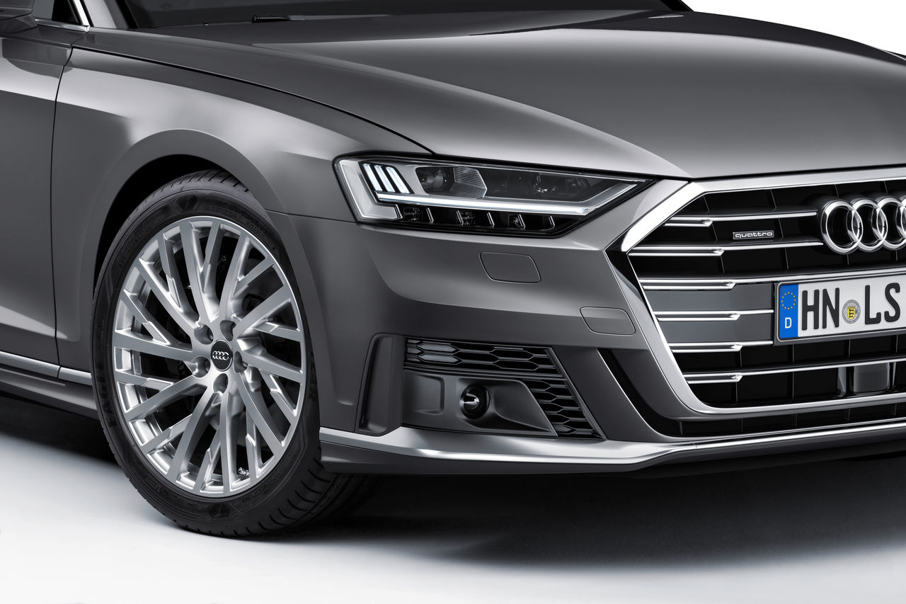 Making the Audi A8 even more dynamic: ||sport exterior package and sport seats