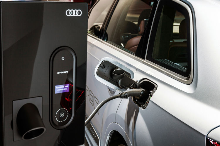 Audi Smart Energy Network pilot project: eco-electricity intelligently managed