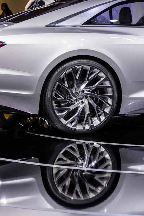 Die Kraft aus der Mitte: Audi prologue auf der Design Miami 2014