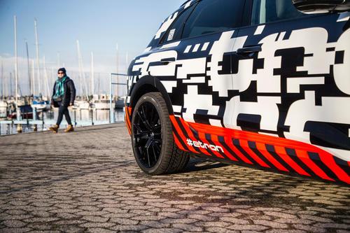 Der Audi e-tron-Prototyp in Genf