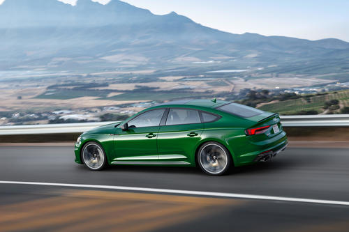 Excellent design and optimum performance: the new Audi RS ...