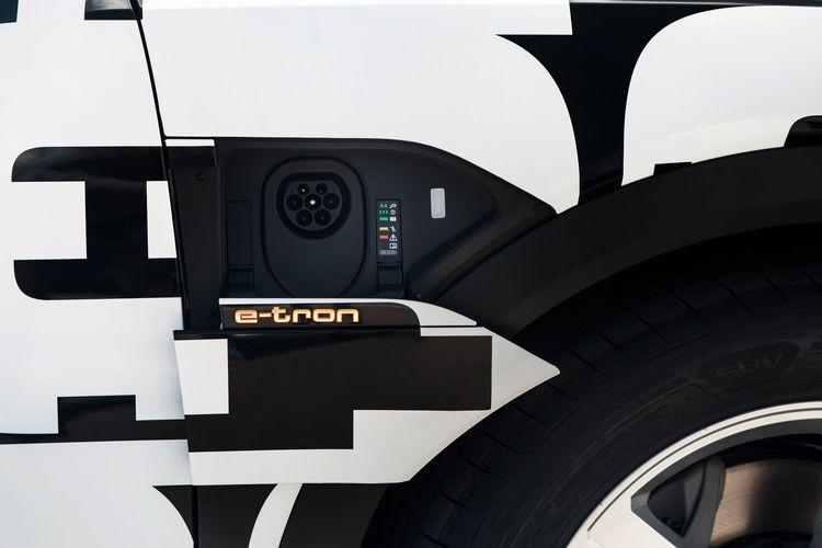 Audi e-tron prototype: Charging