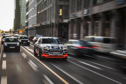 Der Audi e-tron-Prototyp in Berlin